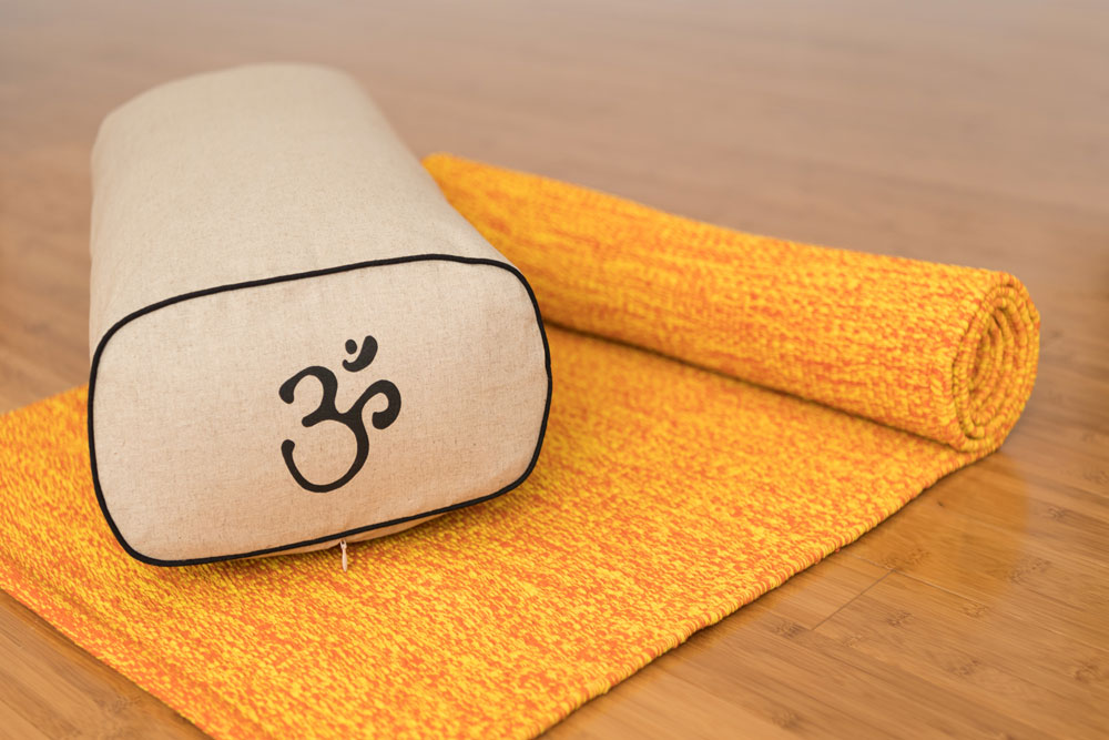 tapis de yoga de coton tiss la main conforauly. Black Bedroom Furniture Sets. Home Design Ideas